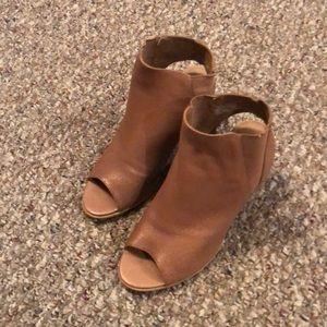 Steven Madden peep toe leather heels